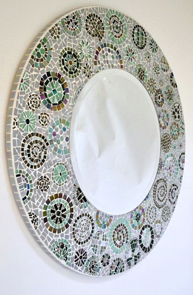 Mosaic mirror using iridescent and matt tiles